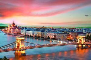 Chuyển phát nhanh đi Hungary chỉ từ 28 USD