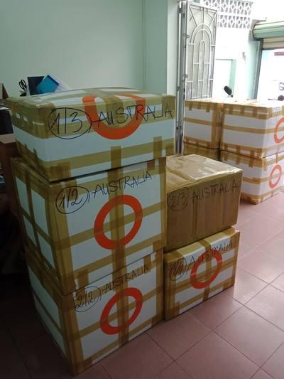 Đóng thùng hàng thực phẩm gửi đi Úc